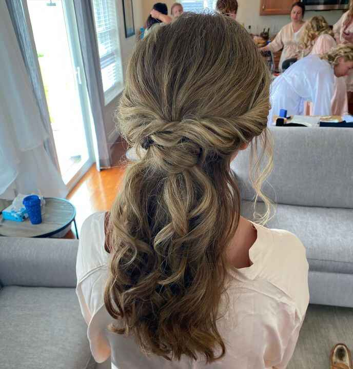 Sorry to all my brides and bridesmaids, but I DO have a favorite and her name is Amanda. I have been doing Amanda's hair...